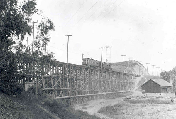 letcher Drive timber bridge | Metro Transportation Library and Archive/flickr/Creative Commons