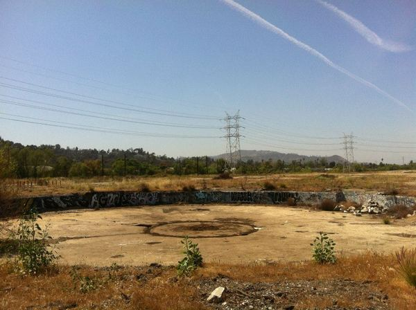 Ruins of a railway turntable-thumb-600x448-51057