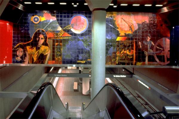 Francisco Letelier's El Sol and La Luna (image source: Metro)