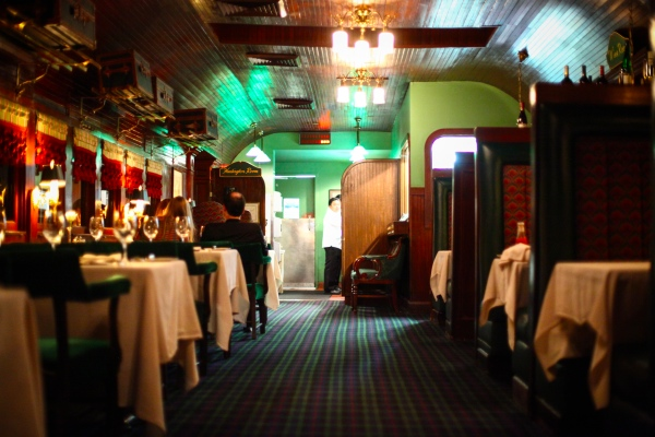 Pacific Dining Car (image source: Rebecca Pardess)