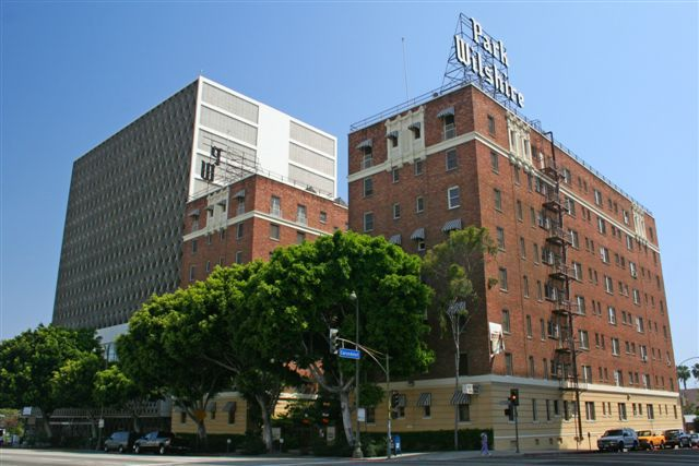 Park Wilshire Apartments (image source unknown)