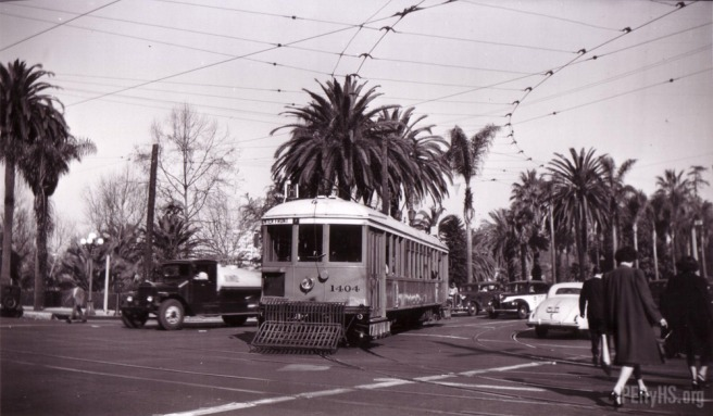 Southbound H Line yellow car at Alvarado St. and 7th (image source: Jack Finn Collection)