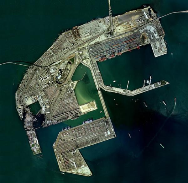 Aerial photo of Terminal Island (credit: The Center for Land Use Interpretation)