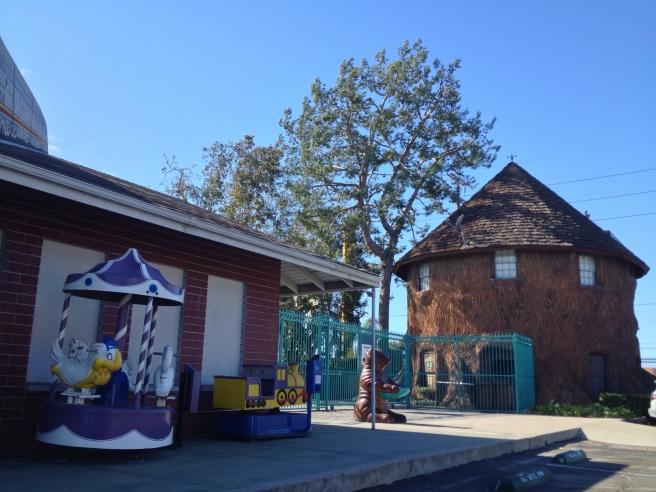 Adventure City Party Tree