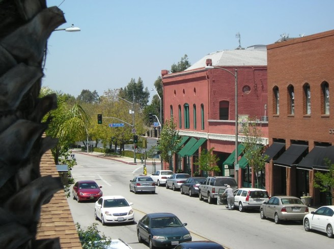 Downtown Redlands (Image source: Pibzz)