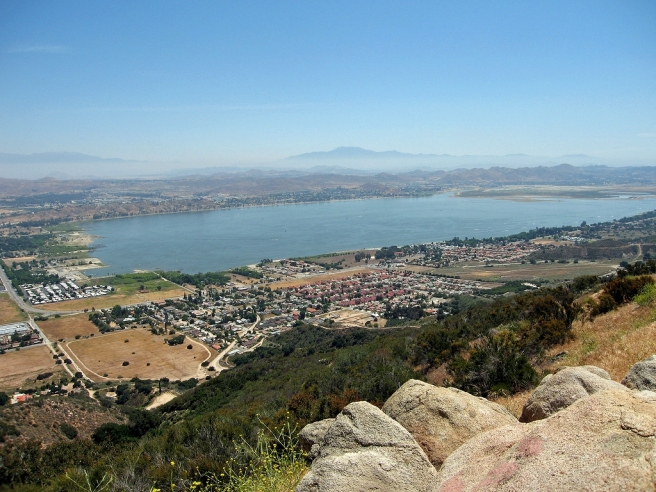 Lake Elsinore (image source: miheco)