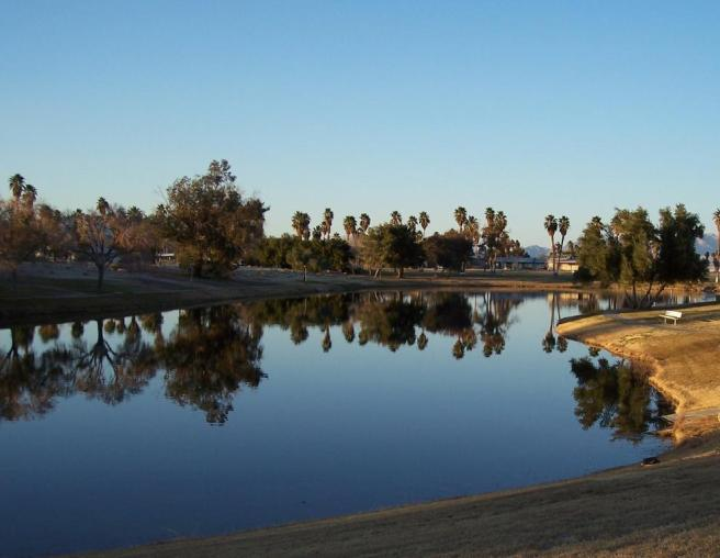 Lake Tamarisk Desert Resort (image source: Lake Tamarisk Desert Resort)