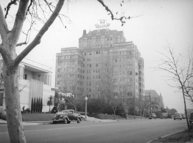 Rossmore apartments [El Royale] c. 1937 (Herman Schultheis)