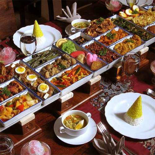 Indonesian buffet (Image source: Images and Places, Pictures and Info)