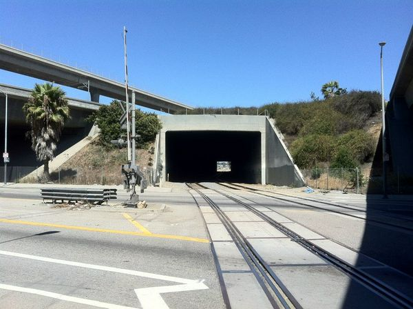 Harbor Freeway - Union Pacific railway tunnel and the Judge-thumb-600x448-57515