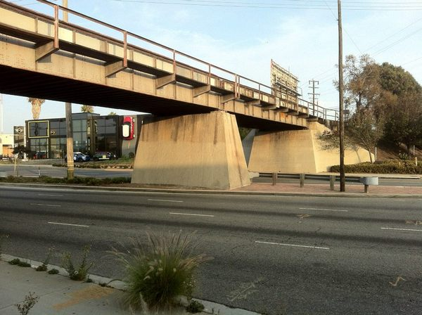 Bridge over Hawthorne (and MINI in a wall)