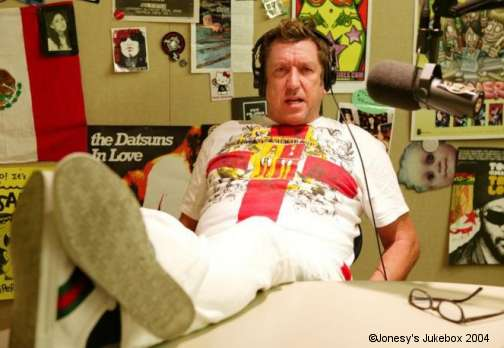 Steve Jones hosting Jonesy's Jukebox in 2004