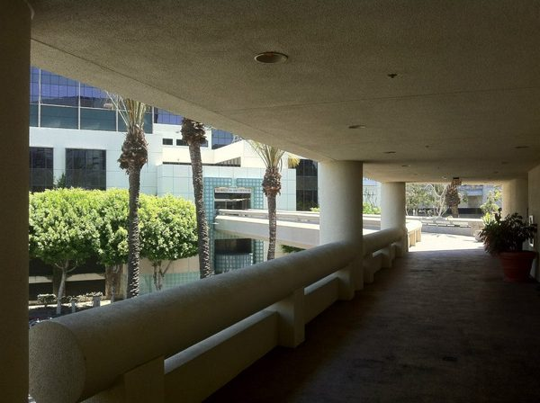 L.A. Hotel Downtown pedway looking back toward the World Tr-thumb-600x448-54090