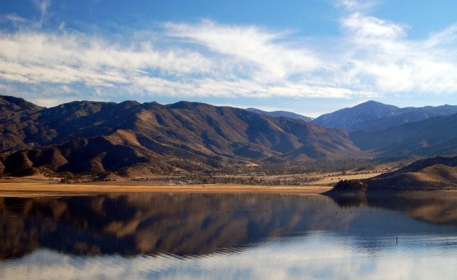 Lake_Isabella_California_eastern_portion.JPG