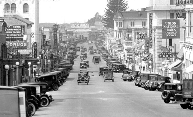Main-Street-Ventua-California-1920s