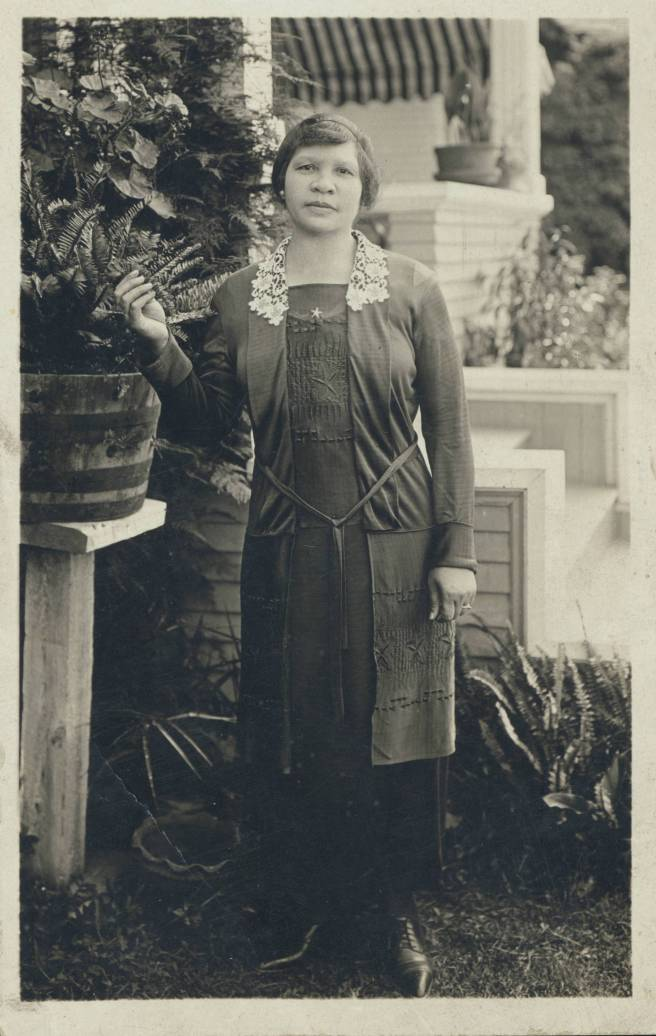 Portrait_of_Charlotta_Bass,_Providence_(-),_ca._1901-1910_(scl-mss064-0451-1)