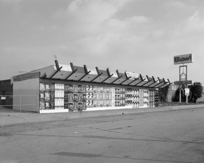 Exterior,_west_side_perspective_view,_facing_southeast._-_Holiday_Bowl,_3730_Crenshaw_Boulevard,_Los_Angeles,_Los_Angeles_County,_CA_HABS_CA-2775-2.tif