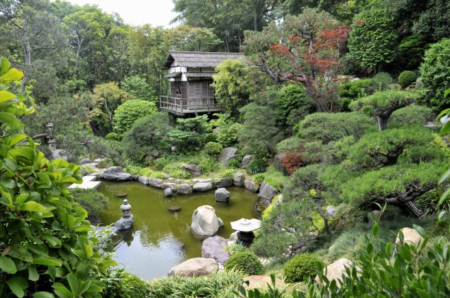 japanese_garden_house_and_pond_by_andyserrano-d1g89re