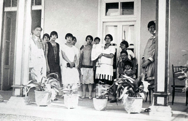 Women_of_Afghanistan_in_1927