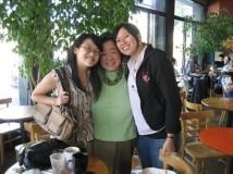 Loni Ding (center)