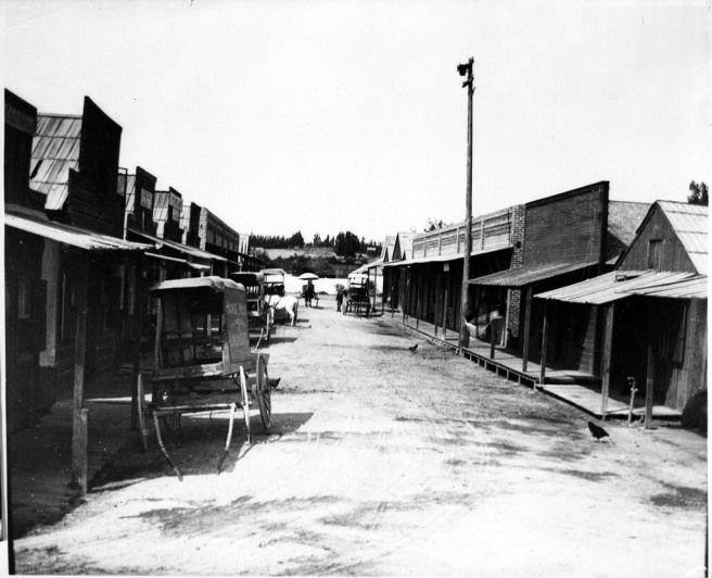 horse-drawn-vehicles-in-chinatown-riverside-california-used-by-permission-of-special-collections-archives-ucr-libraries-university-of-california-riverside_orig