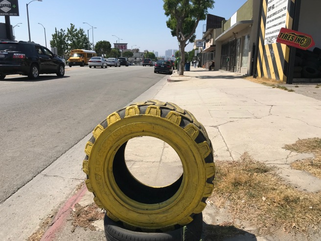 Tire sign