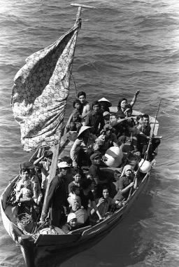 35_Vietnamese_boat_people_2.JPEG