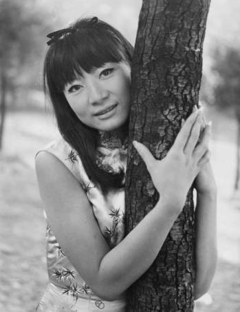 Cambodian actress and singer Tiny Yong in Rome, Italy, to star in the film 'Parias de la gloire' ('Pariahs of Glory'), 1964. (Photo by Keystone/Hulton Archive/Getty Images)